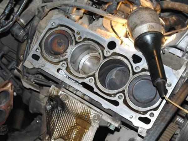Попало антифриз в мотор