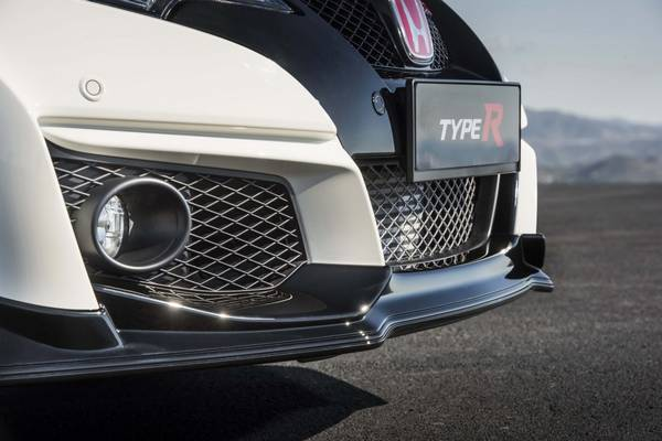 Новый Honda Civic Type R в тизерах с фото