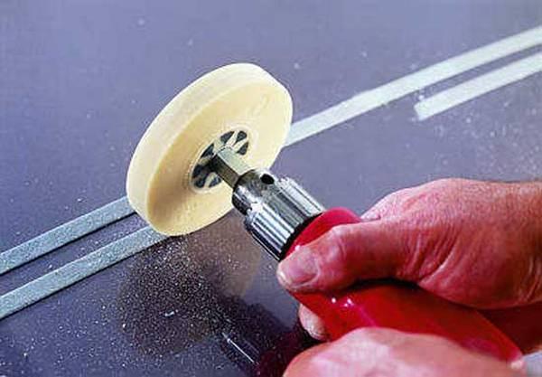 Как полностью снять остатки двухстороннего скотча с кузова автомобиля с фото